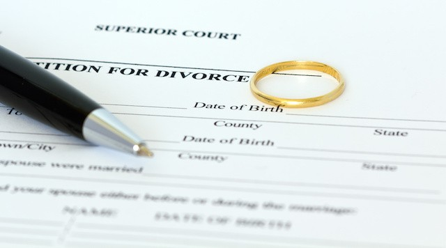 How Do I Serve My Spouse With Divorce Papers in Florida?
